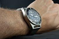 Benarus-worldiver-gmt-wrist